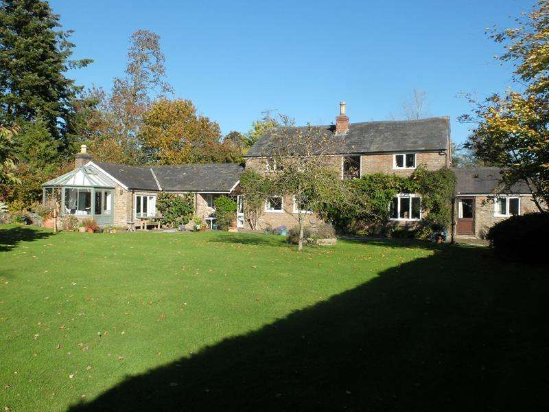 3 Bedrooms Detached House for sale in The Coach House, Edvin Loach, Bromyard, Herefordshire, HR7 4PW