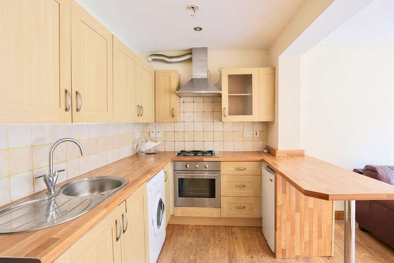 2 Bedrooms Ground Maisonette Flat for rent in Bath Road, Slough