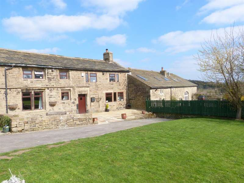 4 Bedrooms Terraced House for sale in Hunters Green, Cullingworth, Bradford, BD13 5JH