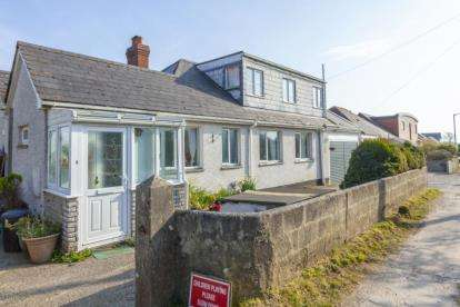 5 Bedrooms Bungalow for sale in Goonhavern, Truro, Cornwall