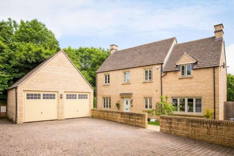5 Bedrooms Detached House for sale in Cirencester