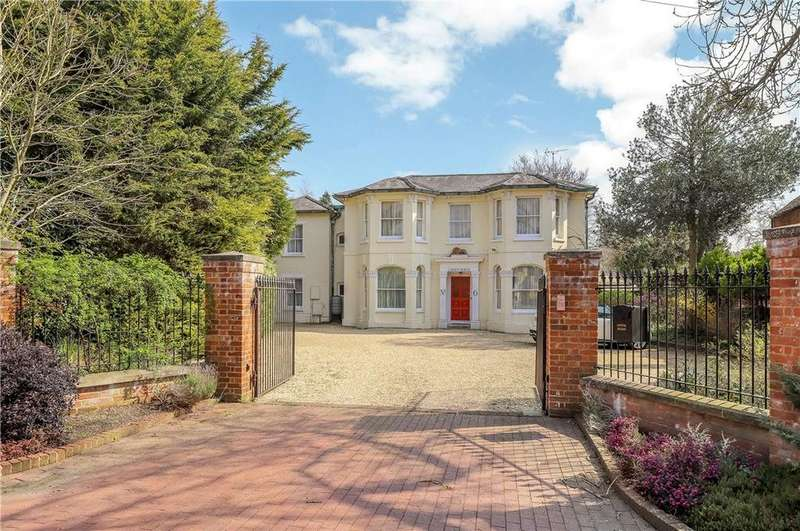 4 Bedrooms Detached House for sale in Winchester Street, Botley, Southampton, Hampshire, SO30