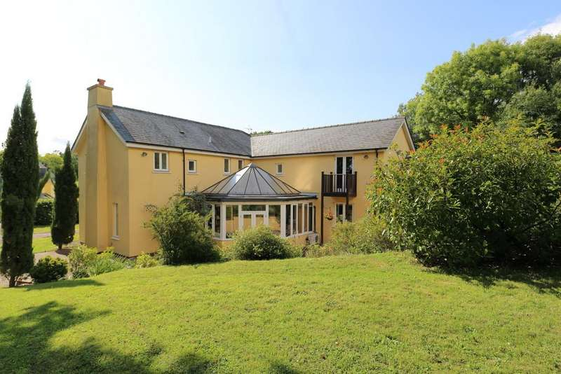 4 Bedrooms Detached House for sale in Gwehelog