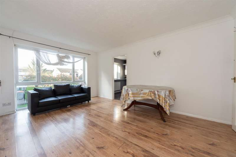 2 Bedrooms Flat for sale in Fairfield Road, Dunstable, Bedfordshire