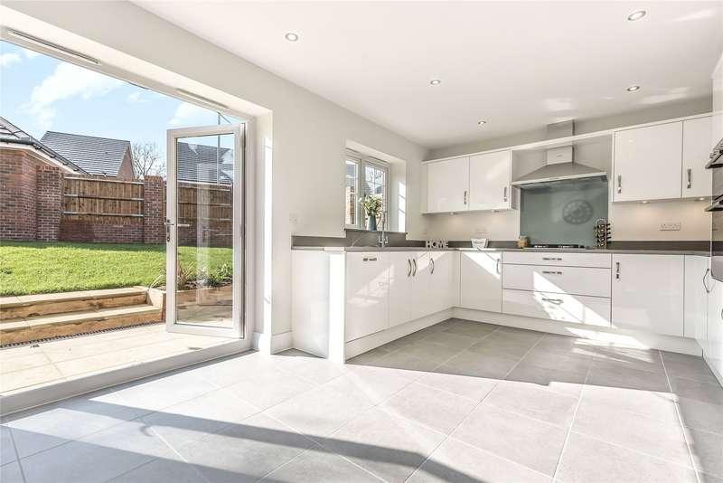 4 Bedrooms Detached House for sale in Oakridge, Eastern Road, Bracknell, Berkshire, RG12