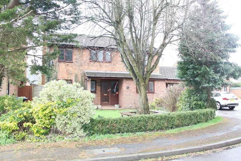 4 Bedrooms Detached House for sale in Millfield, Lambourn