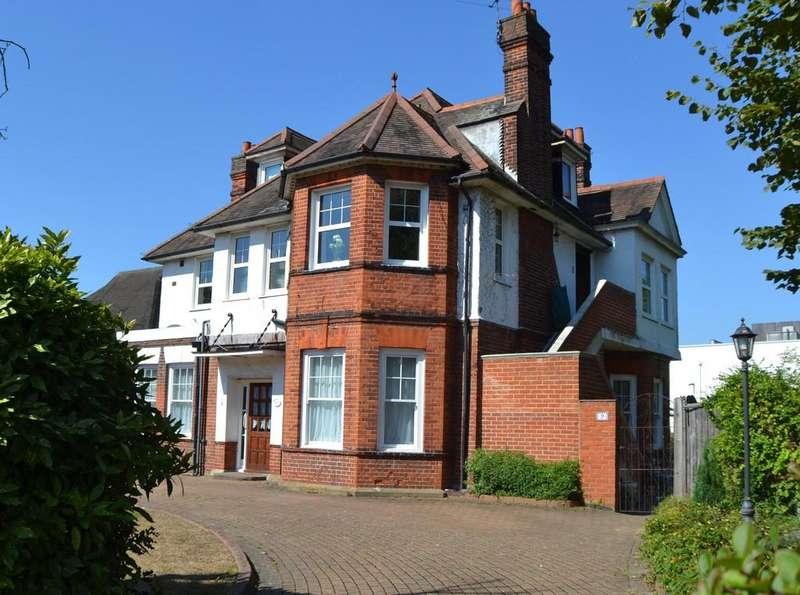 4 Bedrooms Flat for sale in North Park, Eltham SE9