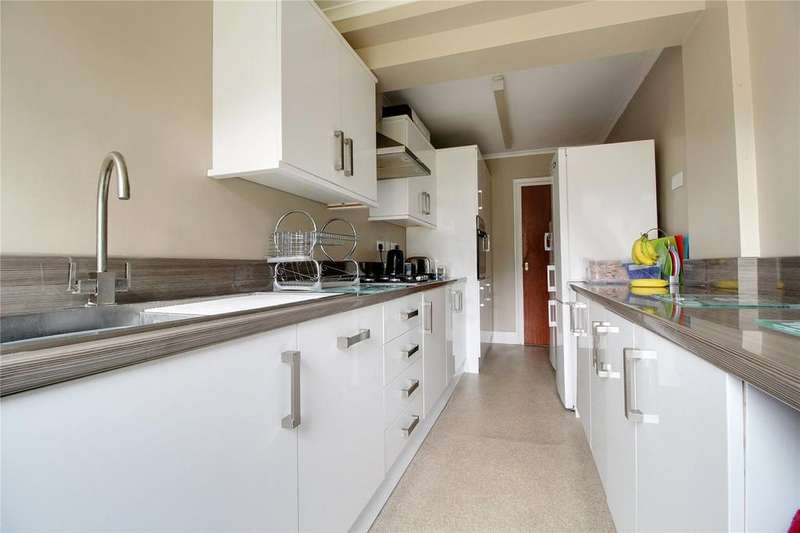 4 Bedrooms Semi Detached House for sale in Culver Lane, Earley, Reading, Berkshire, RG6