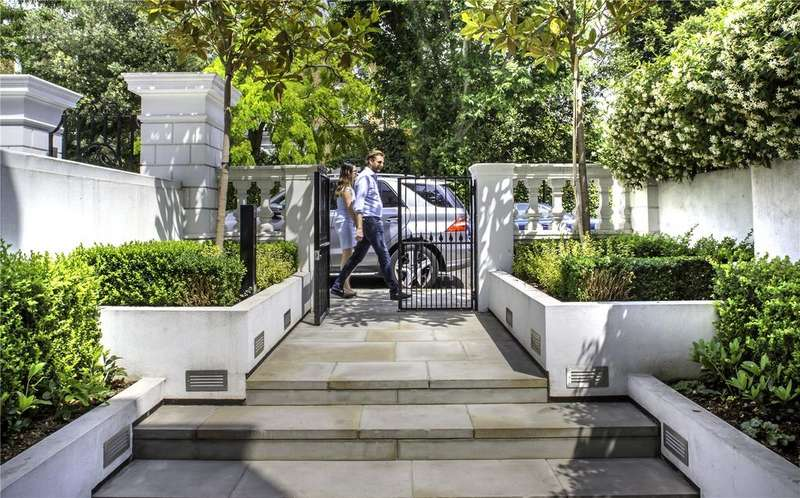2 Bedrooms House for sale in Gilston Road, London, SW10
