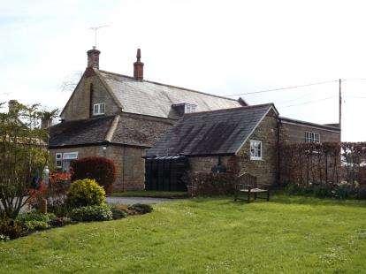 3 Bedrooms Detached House for sale in Silton, Gillingham, Dorset