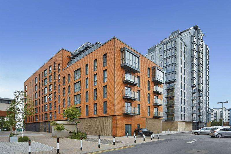 2 Bedrooms Apartment Flat for sale in Railway Terrace, Slough