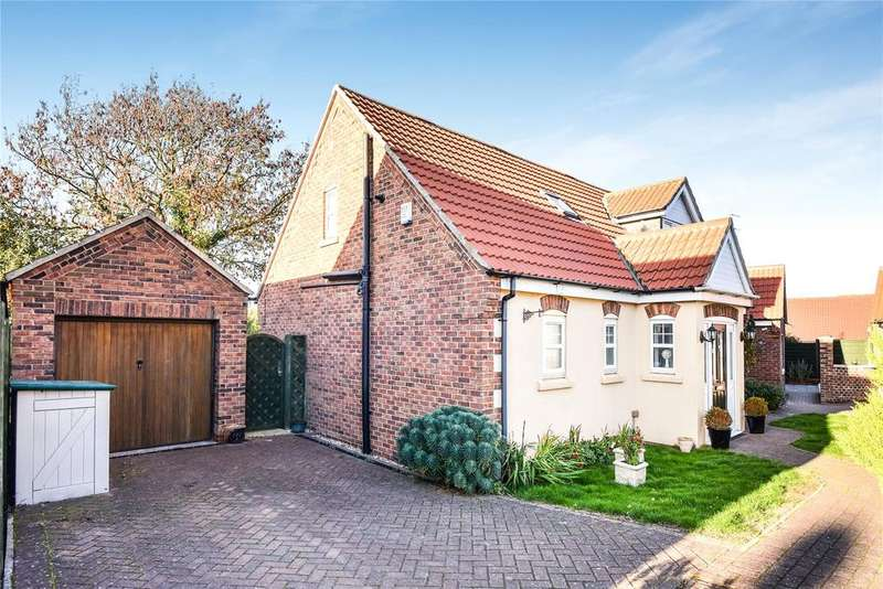 2 Bedrooms Detached Bungalow for sale in Sleaford Road, Branston, LN4