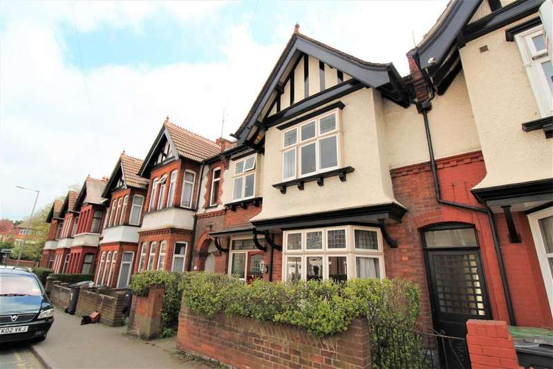 3 Bedrooms Terraced House for sale in Cromwell Road, Luton