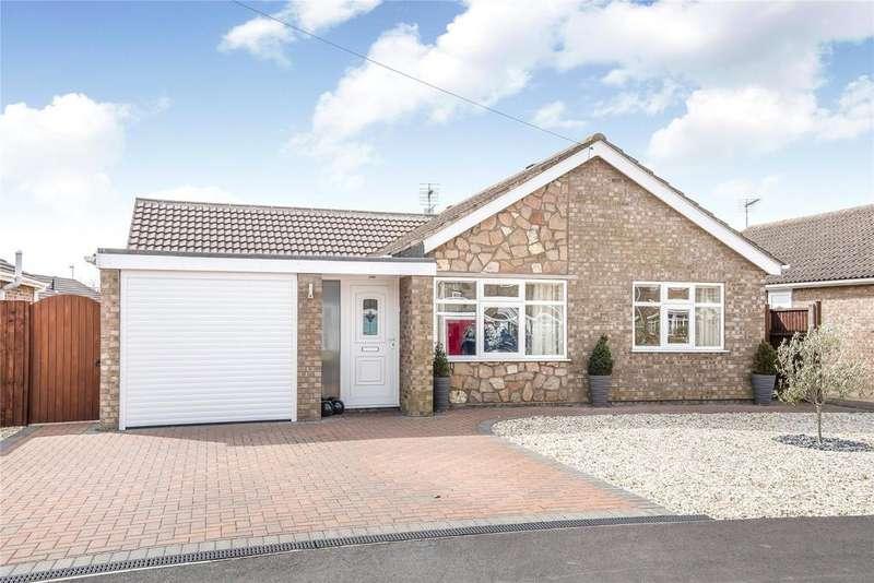 3 Bedrooms Detached Bungalow for sale in Bodmin Moor Close, North Hykeham, LN6