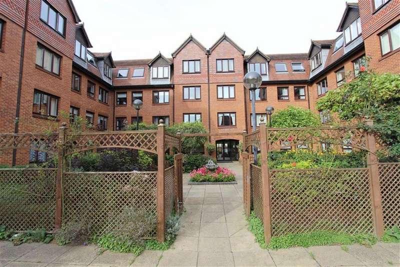 1 Bedroom Retirement Property for sale in Rosebery Court, Water Lane, Leighton Buzzard