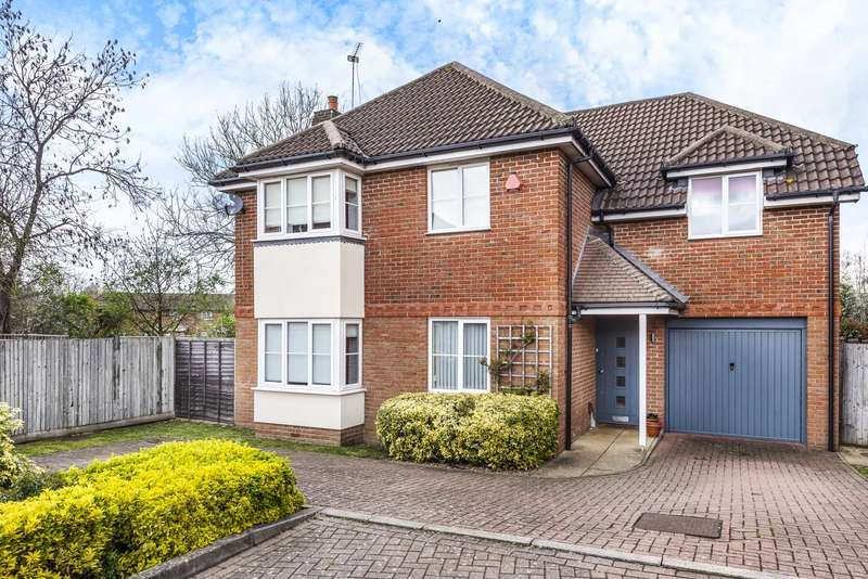 4 Bedrooms Detached House for sale in Beechfield Close, Elstree