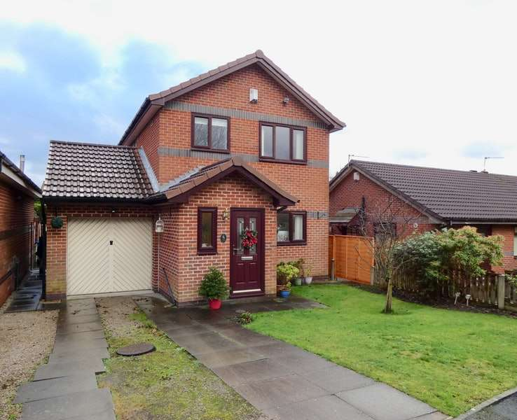 3 Bedrooms Detached House for sale in Mills Farm Close, Oldham, Greater Manchester, OL8
