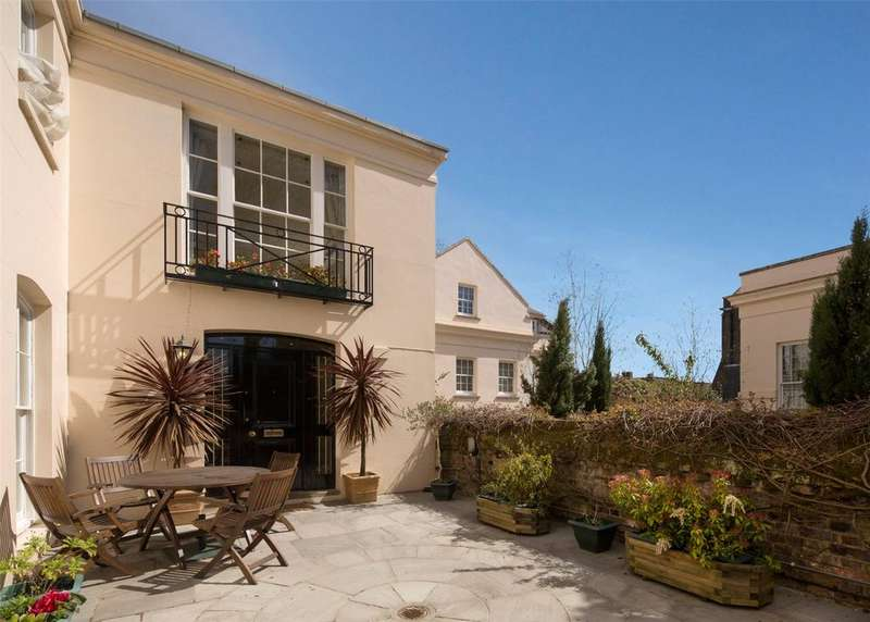 4 Bedrooms End Of Terrace House for sale in Gloucester Gate, Regent's Park, London, NW1