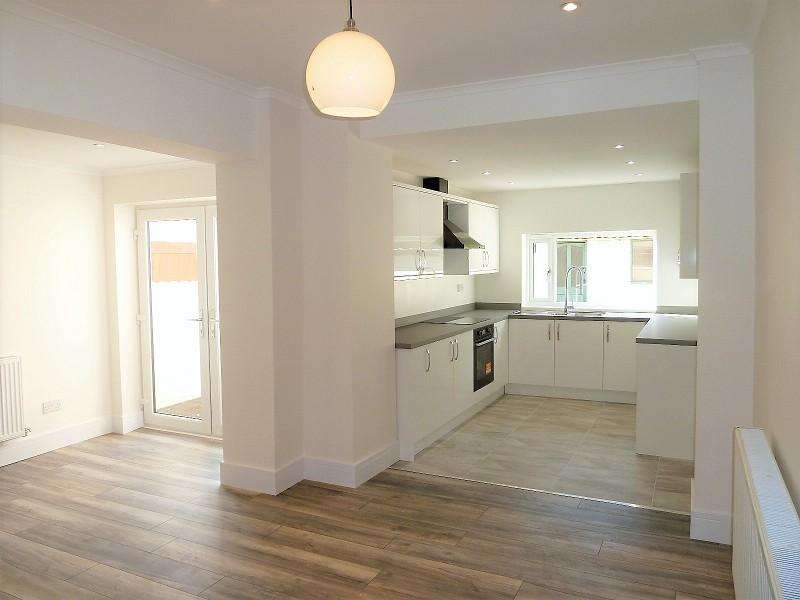 3 Bedrooms Terraced House for sale in Lewis Street, Pentre, Rhondda, Cynon, Taff. CF41 7JB
