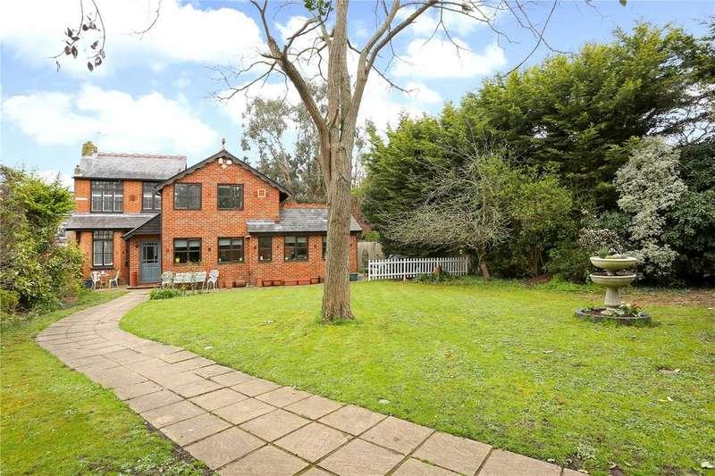 4 Bedrooms Detached House for sale in 8 Eton Road, Datchet, Slough, SL3