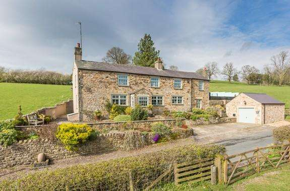 4 Bedrooms Detached House for sale in Holden, Clitheroe BB7