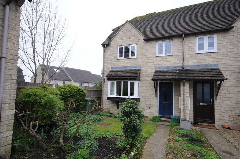 3 Bedrooms End Of Terrace House for sale in Foxes Close, Chalford
