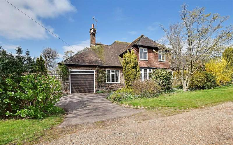 4 Bedrooms Detached House for sale in Park Lane, Bexhill-On-Sea