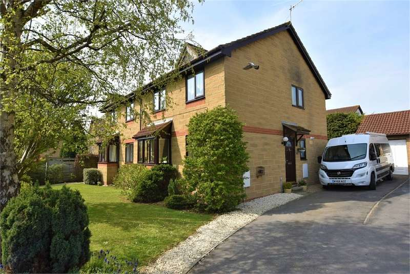 4 Bedrooms Semi Detached House for sale in Cairn Close, Nailsea, Bristol, North Somerset