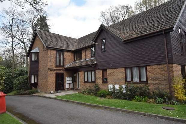 1 Bedroom Flat for sale in Springhill Court, Crowthorne Road, Bracknell, Berkshire