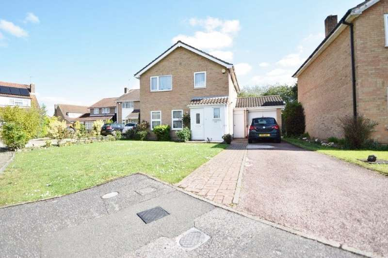 4 Bedrooms Detached House for sale in Rochfords Gardens, Slough, SL2