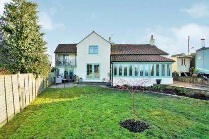 6 Bedrooms Detached House for sale in The Square, Alveston, Bristol, Gloucestershire