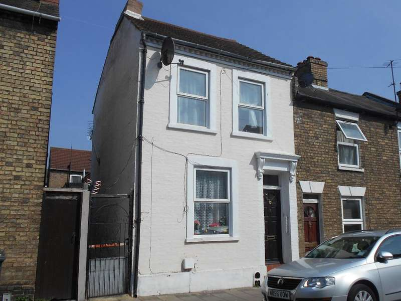 3 Bedrooms End Of Terrace House for sale in Battison Street, Bedford, Bedfordshire, MK40 1QU