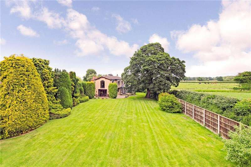 5 Bedrooms Detached House for sale in Main Street, Wighill, Tadcaster, North Yorkshire