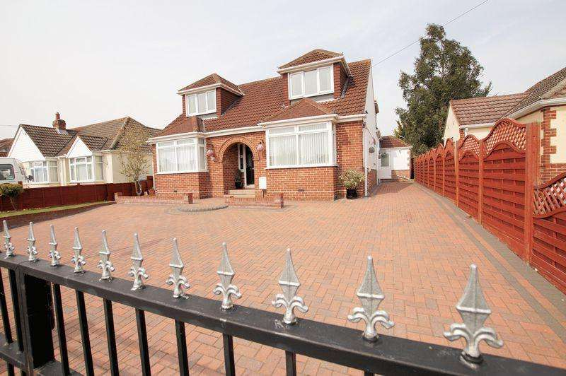 4 Bedrooms Detached House for sale in The Crossway, Portchester