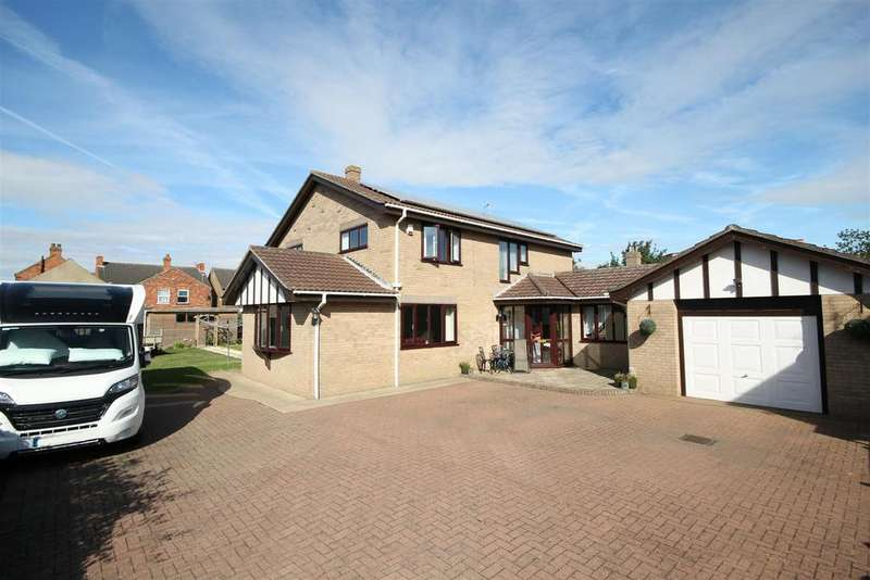 4 Bedrooms Detached House for sale in Park Avenue, Mablethorpe