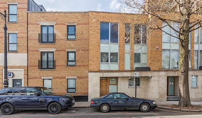 2 Bedrooms Terraced House for sale in Kinnerton Street, Knightsbridge, London, SW1X 8EA