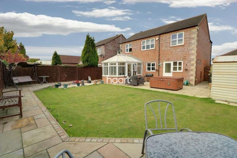 5 Bedrooms Detached House for sale in Headland Way, Navenby