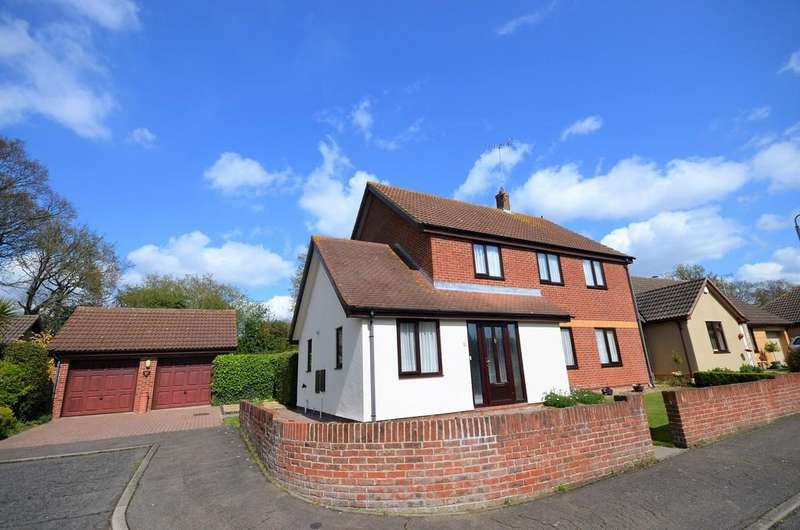 4 Bedrooms Detached House for sale in Coppice End, Highwoods, Colchester, CO4 9RQ