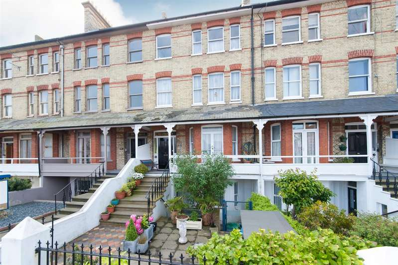 5 Bedrooms Terraced House for sale in Westgate Bay Avenue, WESTGATE-ON-SEA