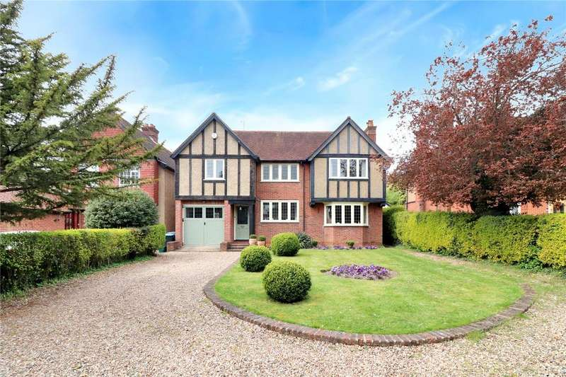 4 Bedrooms Detached House for sale in Hempstead Road, Kings Langley, Hertfordshire, WD4