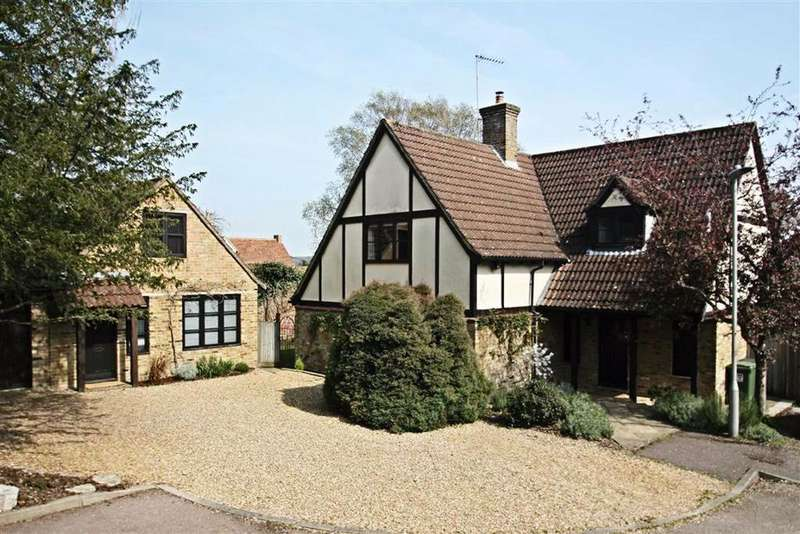 5 Bedrooms Detached House for sale in Castle Gateway, Berkhamsted