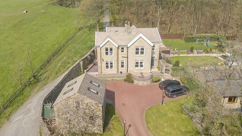 5 Bedrooms Detached House for sale in Tor Side, Helmshore, Rossendale