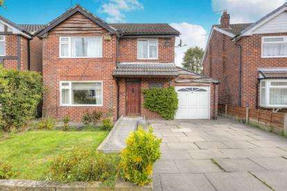 3 Bedrooms Detached House for sale in Longmeadow, Cheadle Hulme, Cheshire