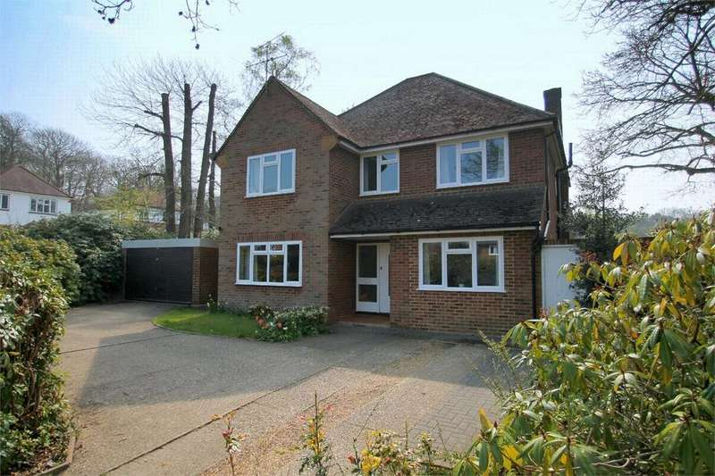 5 Bedrooms Detached House for sale in Leopold Avenue, Farnborough, Hampshire