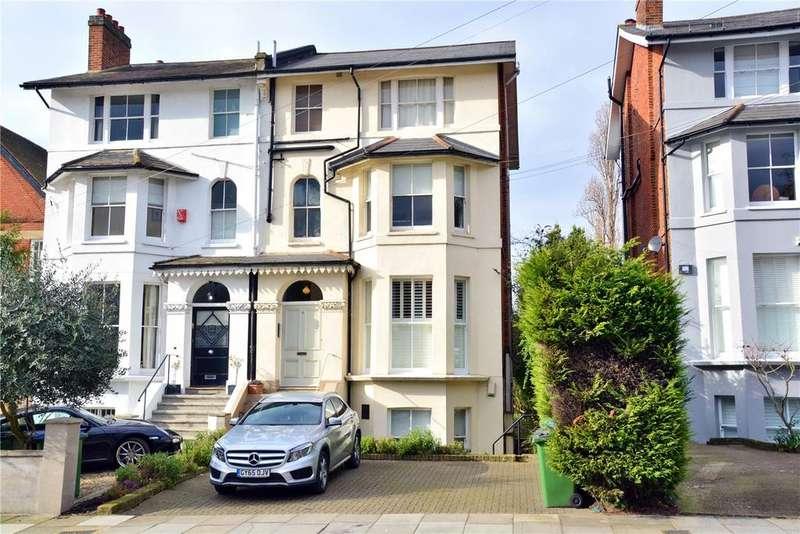 2 Bedrooms Flat for sale in Eastbrook Road, Blackheath, London, SE3