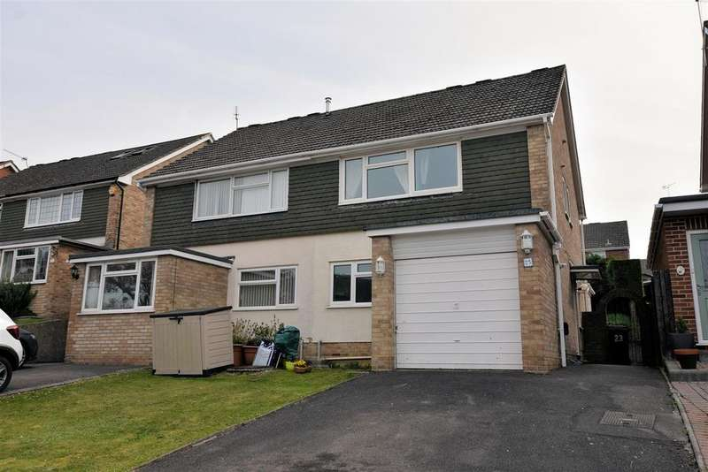 3 Bedrooms Semi Detached House for sale in Robin Way, Tilehurst, Reading