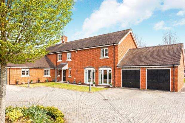 5 Bedrooms Detached House for sale in Andwell, Hook, Hampshire