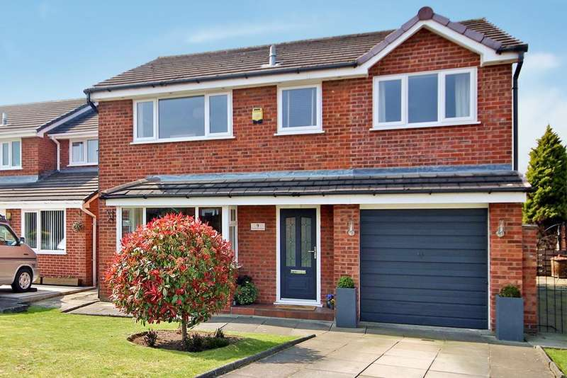 4 Bedrooms Detached House for sale in Monmouth Close, Woolston, Warrington, WA1