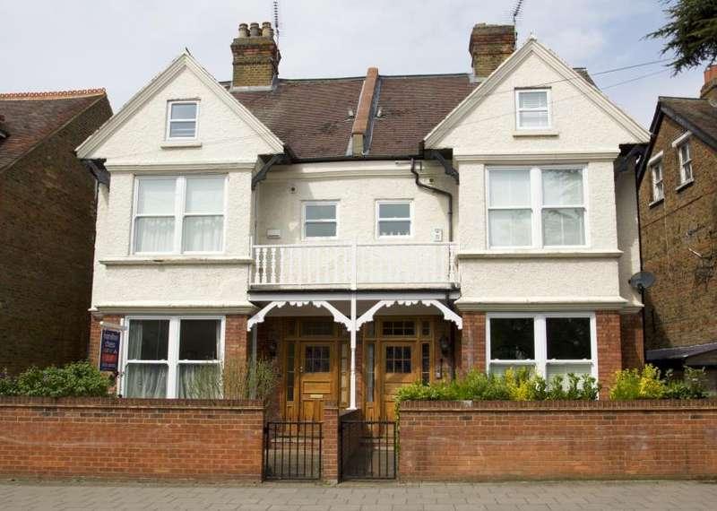 6 Bedrooms Semi Detached House for sale in St Leonards Road, Windsor