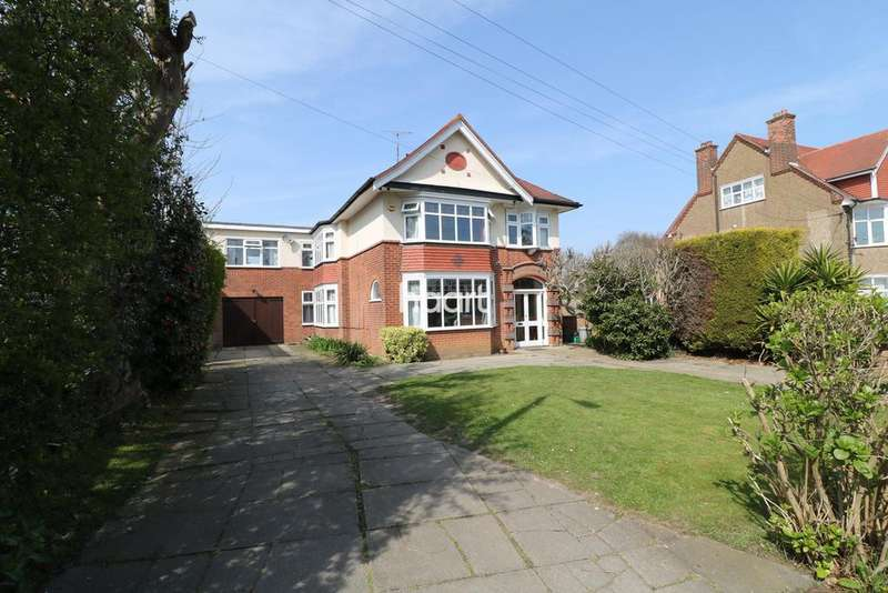 6 Bedrooms Detached House for sale in Fronks Road, Harwich